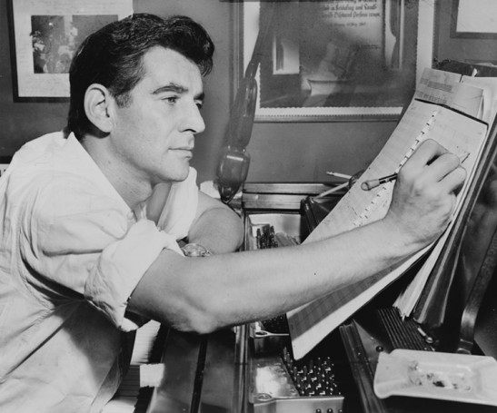 leonard_bernstein_by_al_ravenna_1955_courtesy_of_the_library_of_congress